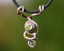 pendant power of fairy elves - with power of oak - set peridot - unique