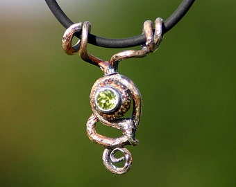 pendant power of fairy elves - with power of oak - set peridot - unique