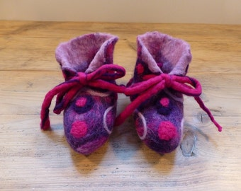 Colorful handfelted Baby Booties by Atelier Sopra
