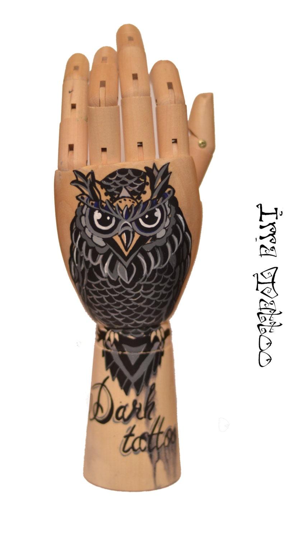 main de tatouage chouette tatouage main en bois. Black Bedroom Furniture Sets. Home Design Ideas
