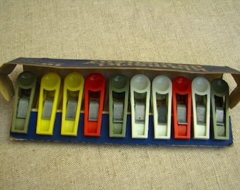 Vintage Plastic Clothes Pegs 1970s 1980s Never used