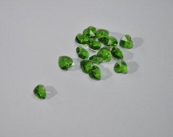 5 Ciondoli di cristallo a forma di cuore.