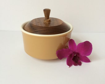 Ceramic Bowl with Wood Lid