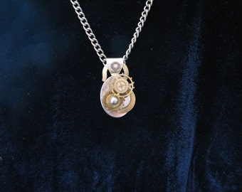 Necklace: Steampunk Pendant