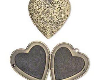 Heart locket, Locket, antiqued brass Heart, Steampunk, 42x40mm, 1 each D357