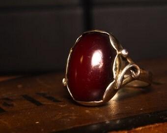 Onyx golden vintage ring