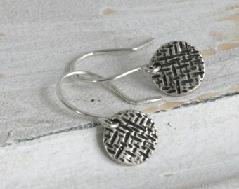 Round N' Round Sterling Silver Dangle Drop Earrings // Handcrafted Jewelry // luluglitterbug