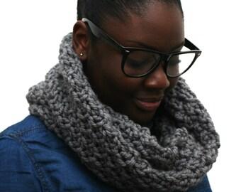 Winter scarf, Grey Scarf, Chunky wool scarf, Snood Scarf, Large Grey Wool Snood, Chunky knit scarf, Merino wool scarf, Chunky Scarf