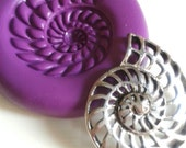 Ammonite Shell Silicone Mold/Mould 32 mm - Kitsch Kawaii DiY Polymer Clay Sugarpaste Fimo Resin