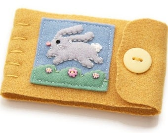 Embroidered Bunny Needle Case, Small Yellow Wool Needle Minder, Pin Keeper, Wool and Felt Travel Sewing Kit, Bunny Needle Book, Quilt Supply