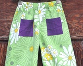 summer shorts - green flowers size 5