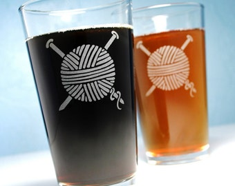 2 Etched Pint Glasses - Yarn - present for knitter