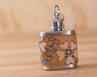 1oz Mini Flask Key chain - Lynn Pattern - flowers and vines in blue, white, silver and antique brown