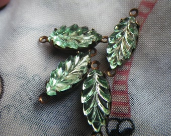 Peridot Green Leaves 15x7mm Vintage Fancy Glass Connectors 4 Pcs