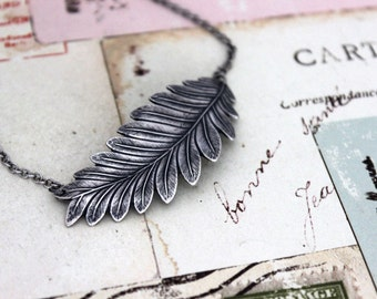 leaf necklace. in silver ox.  jewelry