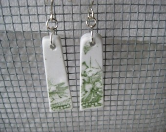 beachglass inspired earrings  vintage celery green and white floral transferware china TrAsH gLaSs. Broken China Jewelry