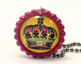 "La corona (""the crown"") Mexican Loteria Image Handmade Flattened Bottle Cap Necklace"