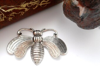 CLOSEOUT * Antique Silver Art Deco BEE Stamping - Jewelry Findings (FA-6022)