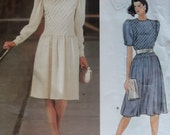 Vintage  Designer Albert Nipon Front Tucked Dress Pattern  Vogue 1301, Size 12, Bust 34, Uncut