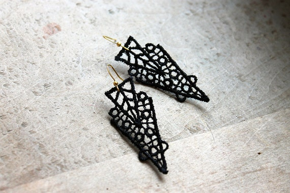 black lace earrings // ZAHRA  // geometric earrings / art deco earrings / gift for women / unique modern earrings / geometric earrings