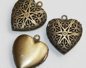 20 pcs of Antique Brass filigree Heart Locket Pendant 20x20mm, puff heart locket, texture back , locket pendant, filigree pendant