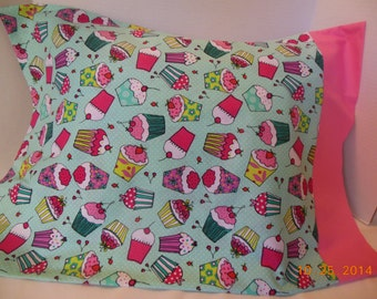 SALE        -----------    Cupcakes Pillowcase