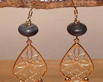 Onyx brass filigree earrings