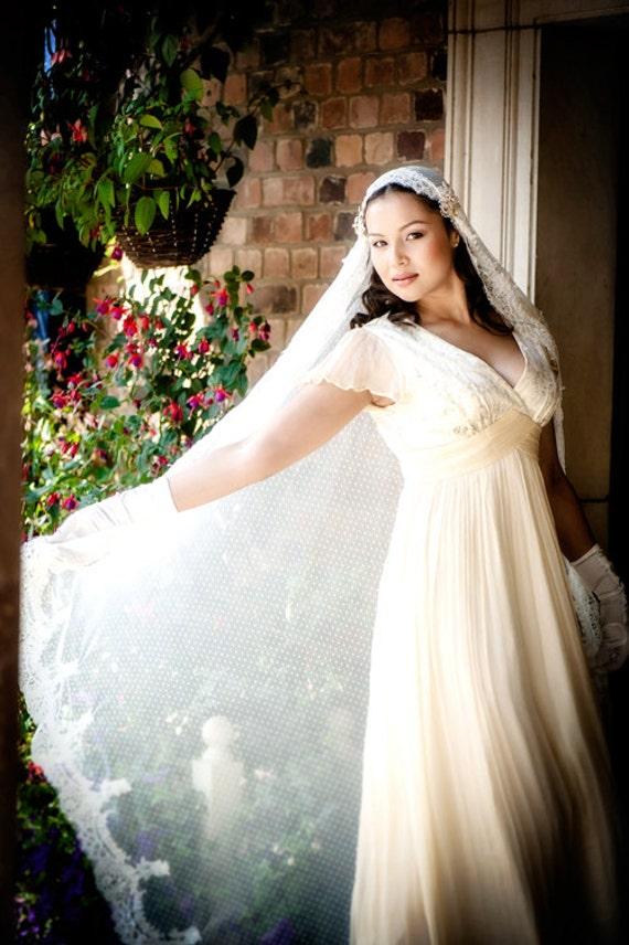 WEDDING VEIL JULIA, Mantilla Veil, Point d'Esprit, Dotted Circle Veil, Drop Veil, Bridal Veil, Chapel Veil, Swiss Dot Veil, made to order
