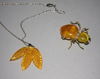 Vintage 1930s Amber Lucite Leaf Pendant Necklace And Large Ant Brooch Art Deco Apple Juice Early Lucite Jewelry