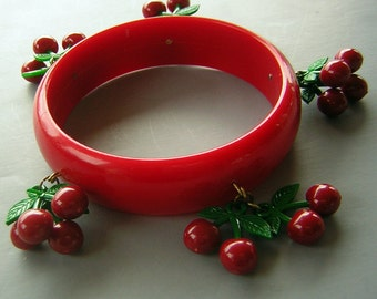Vintage Early Plastic Red Bangle Bracelet with Bunches of Cherries - 50s or 60s Kitsch but NOT Bakelite