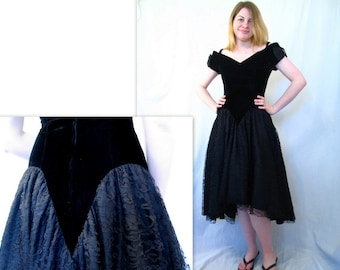 Vintage Halloween Party Dress - 1980's Black Velvet and Lace High Low Goth Dress, Modern Size 8, Small