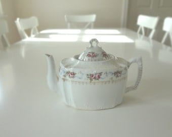 Fabulous Antique Porcelain RosesTeapot from England -  EnglishPreserves