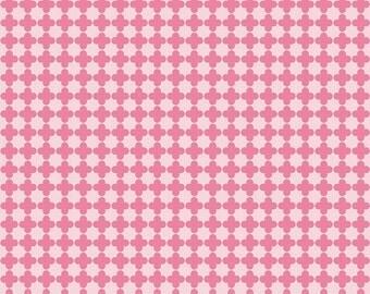 Mini Quatrefoil in Pink/Hot Pink (C345-71)