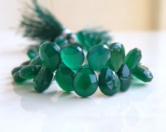Green Onyx Gemstone Briolette Faceted Pear Teardrop Emerald Green 10 to 11 mm 25 beads