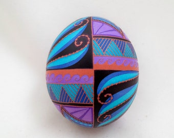 Brown chicken egg pysanky etched