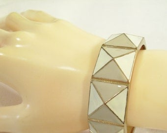 Vintage 80s Pyramid Gray Cream Enamel Clamper Bracelet Geometric Raised Triangles Gold Plate Bangle