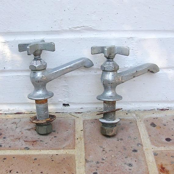 Antique Vintage Metal Water Faucet Faucets Vintage Speakman