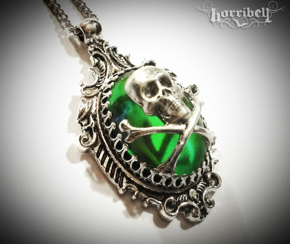 Soothsayer skull mood necklace color changing mood ring for Fashion jewelry that won t change color
