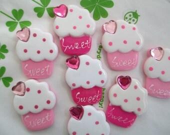 Cute cupcake with heart rhinestone 4pcs Pink tones New item 30mm x 25mm