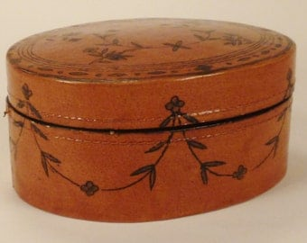 LACQUER BOX GOLD design Birds Flowers Wood  Jewelry box  approx 6 X 5 X 3  inches great condition