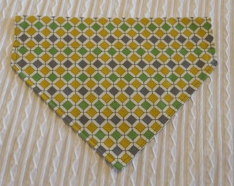 Dog Bandana in Retro Design Sizes XS to XL in Over Dog Collar Style