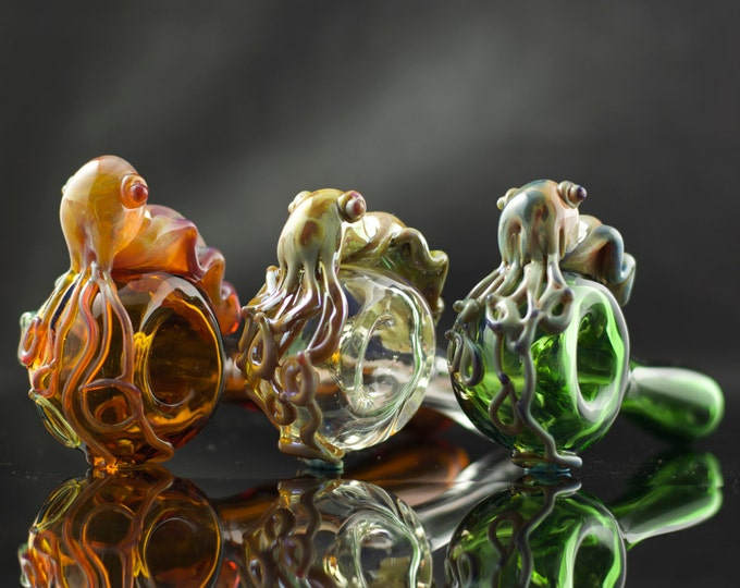 Cuttlefish Glass Pipe / Cephalopod Spoon Pipe / Glass Spoon Pipe / Hand Blown Pipe / Tobacco Pipe / You Choose the Color / Made to Order