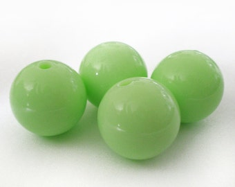 16mm Pastel Lime Green  acrylic beads - 6pcs