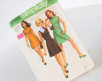 Uncut Vintage 1960's Dress Pattern, Simplicity 8588, Size 16,  Bust 38 Inches
