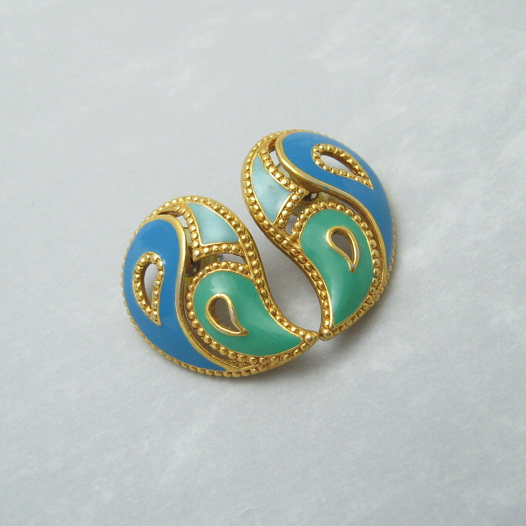 vintage paisley earrings avon jewelry book by