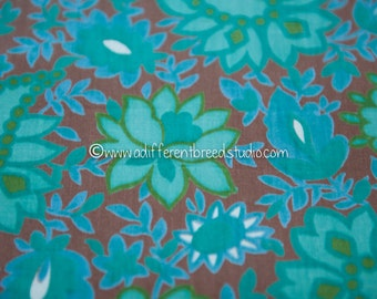 """Amazing Mod Floral- Vintage Fabric New Old Stock Great Graphics 38"""" wide"""