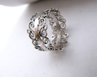 Contemporary Silver Filigree Ring, Silver Crown Ring, Crown Ring, Non-traditional wedding band