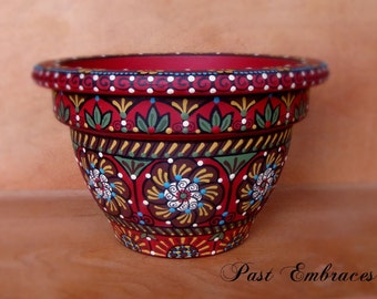 Pysanka Designs Pottery 4 1/2 inches
