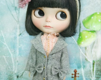 jiajiadoll grey bowknots long coat -for Blythe or Jerryberry or Azone or Pullip or YOSD