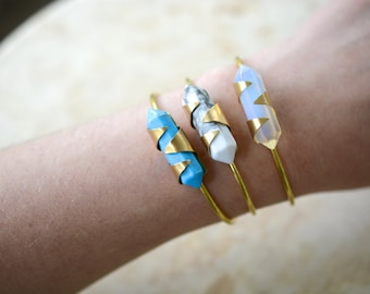 turquoise howlite, cuff, bracelet, point, wand, brass, wire // MINI AXIS